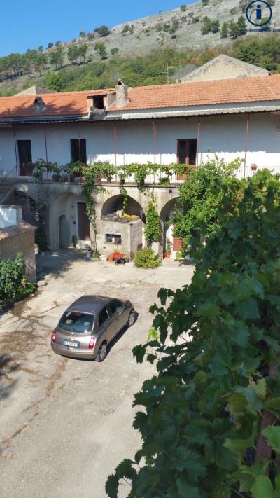 Vai alla scheda: Casa Semindipendente Vendita - Caserta (CE) | Sommana - Codice -SIV4
