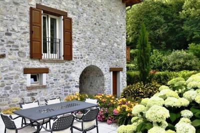 Vai alla scheda: Villa singola Vendita - Tremosine (BS) | Vesio - Codice -121-18 - LAGO 8