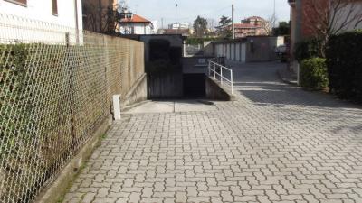 Vai alla scheda: Box / Posto auto Vendita - Cologno Monzese (MI) - Codice -126-CX04
