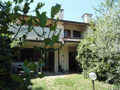 Vai alla scheda: Villa singola Vendita - Buccinasco (MI) - Codice -109-V43