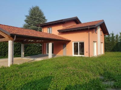 Villa in Affitto a Casciago