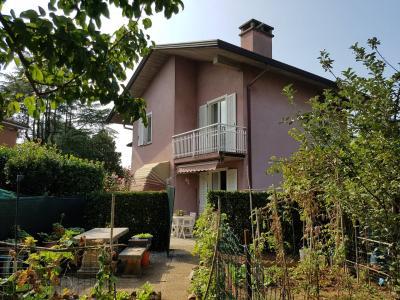 Vai alla scheda: Porzione di casa Vendita - Oggiona con Santo Stefano (VA) | Santo Stefano - Codice -125-venoggmil3199