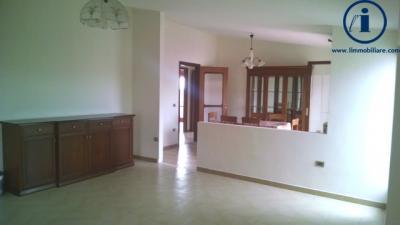Vai alla scheda: Appartamento Vendita - Caserta (CE) | Tredici - Codice -229-4V55