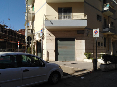 Vai alla scheda: Negozio Affitto - Roma (RM) | Balduina - Codice -323-Aff. Balduina