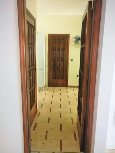 Vai alla scheda: Ufficio Affitto - Reggio di Calabria (RC) | Viale Aldo Moro - Codice -192-U35