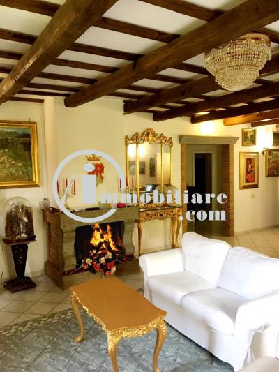Vai alla scheda: Villa singola Vendita - Bassano Romano (VT) - Codice -31702807010-VILLA BASSANO ROMANO