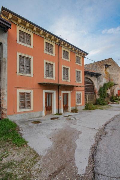 Vai alla scheda: Rustico / Casale / Corte Vendita - Castel d'Azzano (VR) | San Martino - Codice -328-7.