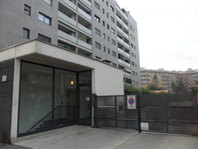 Vai alla scheda: Box / Posto auto Affitto - Milano (MI)   Lorenteggio - Codice -42-319011