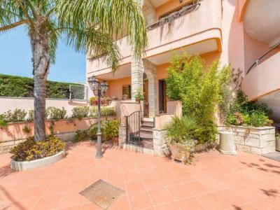 Vai alla scheda: Porzione di casa Vendita - Lecce (LE) - Codice -196-bifamiliare240