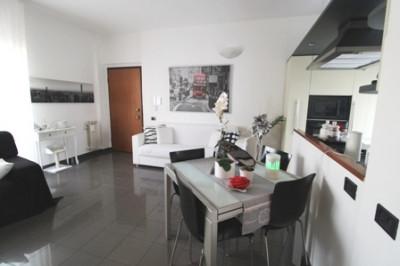Vai alla scheda: Appartamento Vendita - Cologno Monzese (MI) - Codice -126-CT856