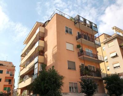 Vai alla scheda: Appartamento Affitto - Roma (RM) | Balduina - Codice -302-BALDUINA - VIA UGO DE CAROLIS