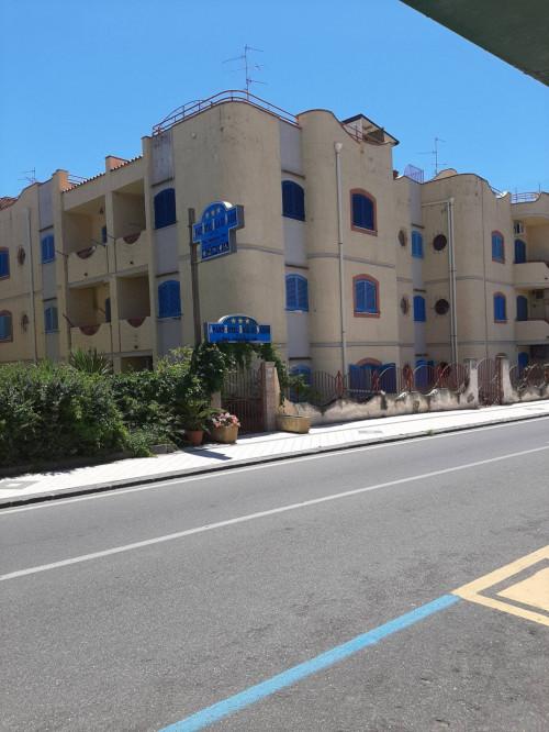 Vai alla scheda: Commerciale Altro Vendita - Giardini-Naxos (ME) | Giardini - Codice -202-2223