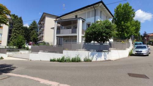 Porzione di villa in Affitto a Varese