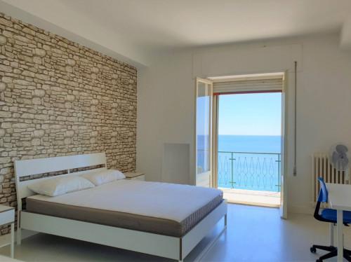 Vai alla scheda: Appartamento Affitto - Catanzaro (CZ)   Lungomare - Codice -188-CZ01-AA1208