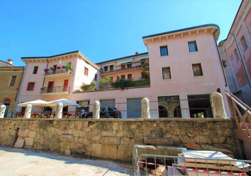 Vai alla scheda: Negozio Affitto - Verona (VR) | Centro storico - Codice -342-NS15-A