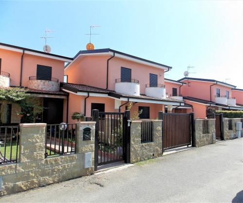 Vai alla scheda: Villa a schiera Vendita - Sellia Marina (CZ)   Chiaro - Codice -188-CZ-371