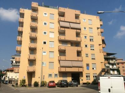 Vai alla scheda: Appartamento Affitto - Saronno (VA)   Centro - Codice -28-21-016