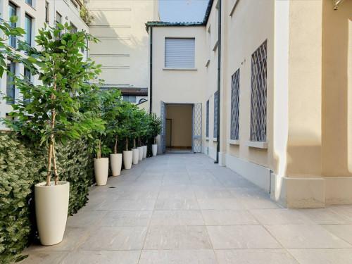 Vai alla scheda: Ufficio Affitto - Milano (MI)   Centro Storico - Codice -147-venezia 570mq
