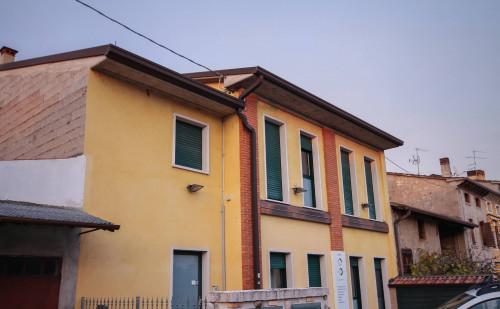 Vai alla scheda: Ufficio Affitto - Castel d'Azzano (VR) - Codice -326-C2.