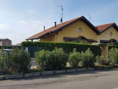 Villa Bifamiliare in Vendita a Cardano al Campo