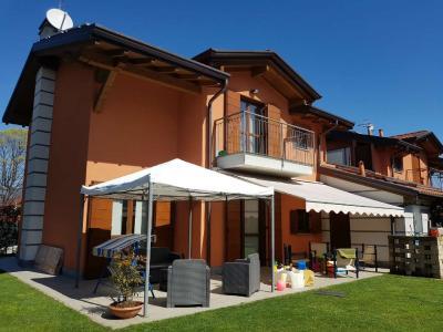 Villa Bifamiliare in Vendita a Galliate Lombardo