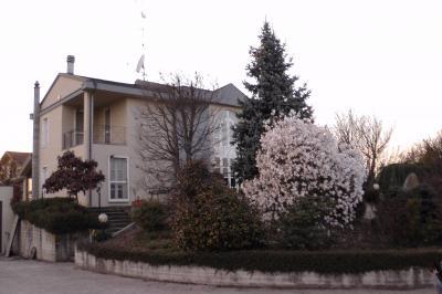 Villa in Vendita a Borgo Vercelli