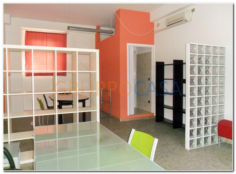 Negozio / Locale in vendita a Pescia, 9999 locali, zona Località: Centro, prezzo € 65.000 | CambioCasa.it