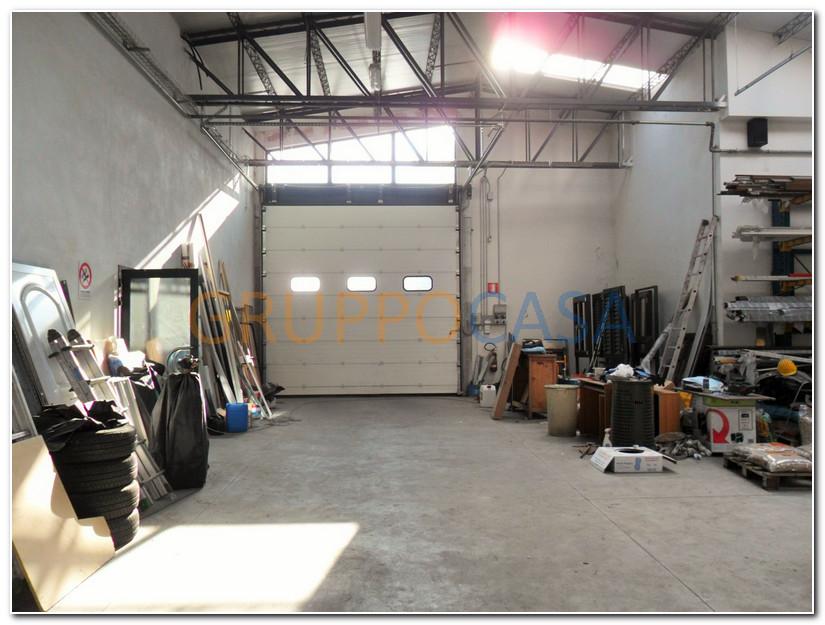 Capannone in vendita a Uzzano, 9999 locali, zona Località: S.aLucia, prezzo € 380.000 | CambioCasa.it