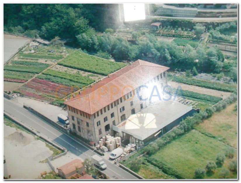 Capannone in vendita a Pescia, 9999 locali, zona Zona: Pietrabuona, prezzo € 700.000 | CambioCasa.it