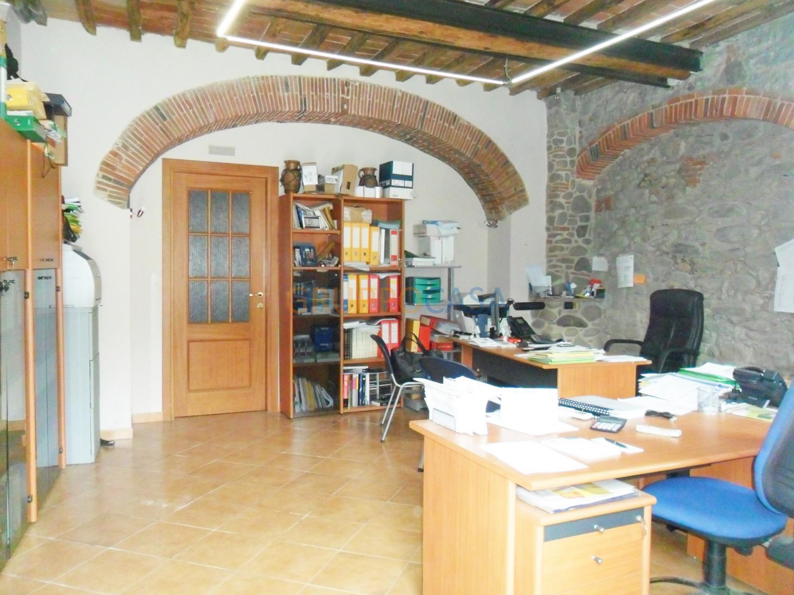 Laboratorio in vendita a Pescia, 9999 locali, zona Località: Centro, prezzo € 75.000 | CambioCasa.it