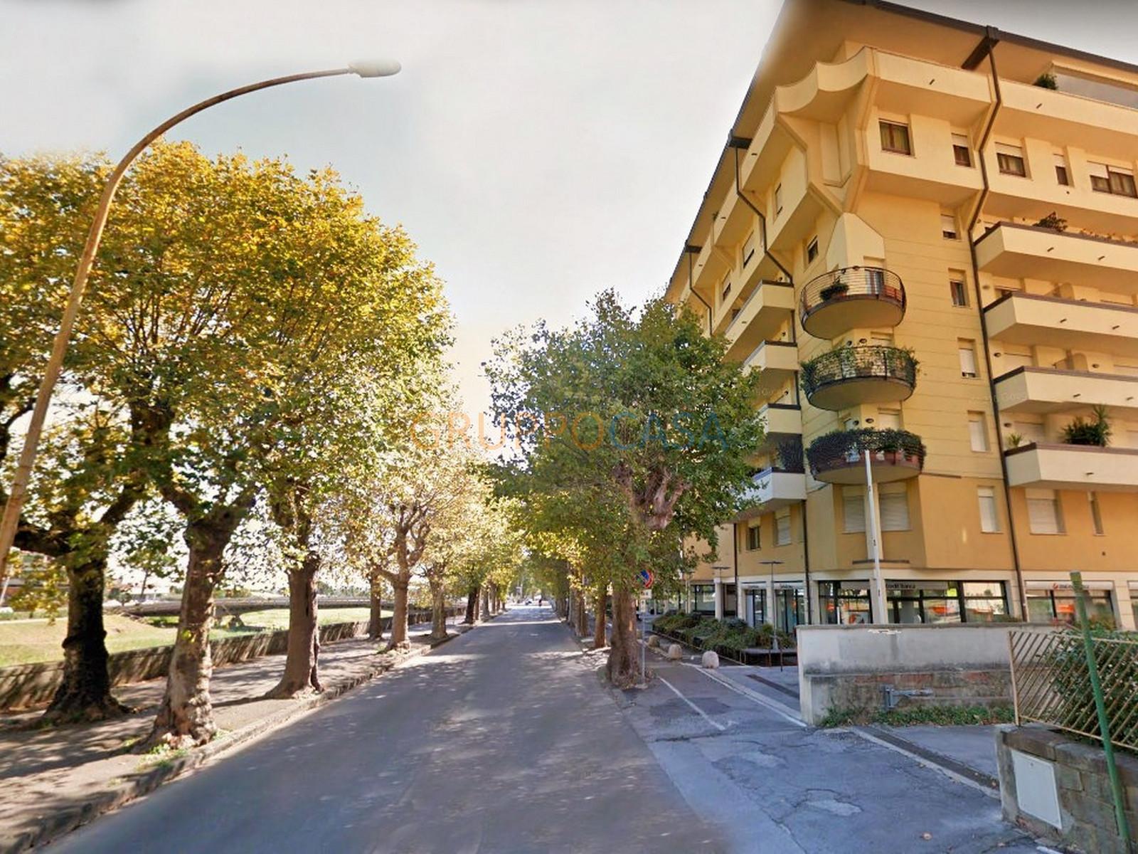 Ufficio / Studio in vendita a Pescia, 9999 locali, zona Località: Centro, prezzo € 98.800 | CambioCasa.it