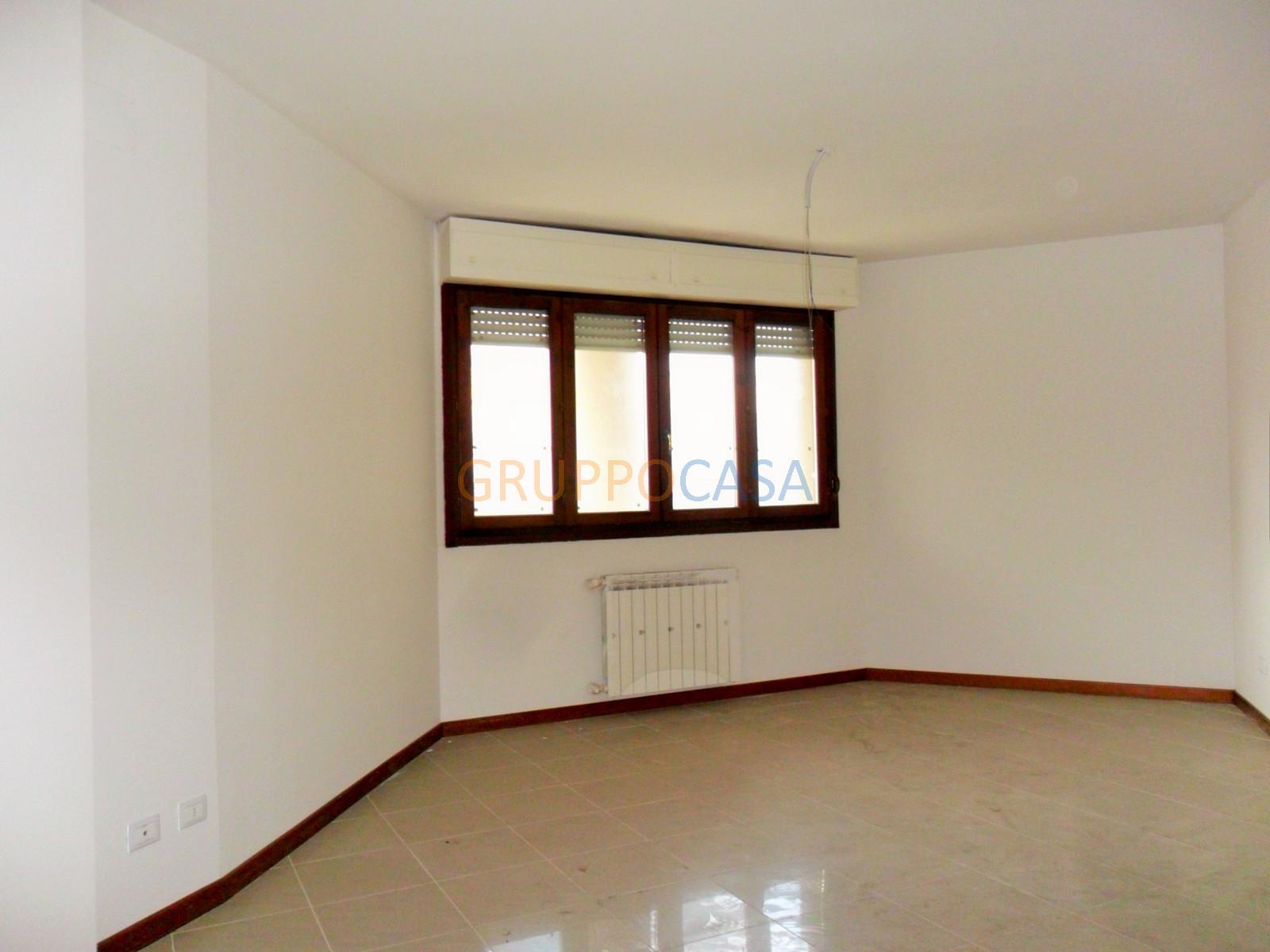 Ufficio / Studio in vendita a Pescia, 9999 locali, zona Località: Centro, prezzo € 153.300 | CambioCasa.it