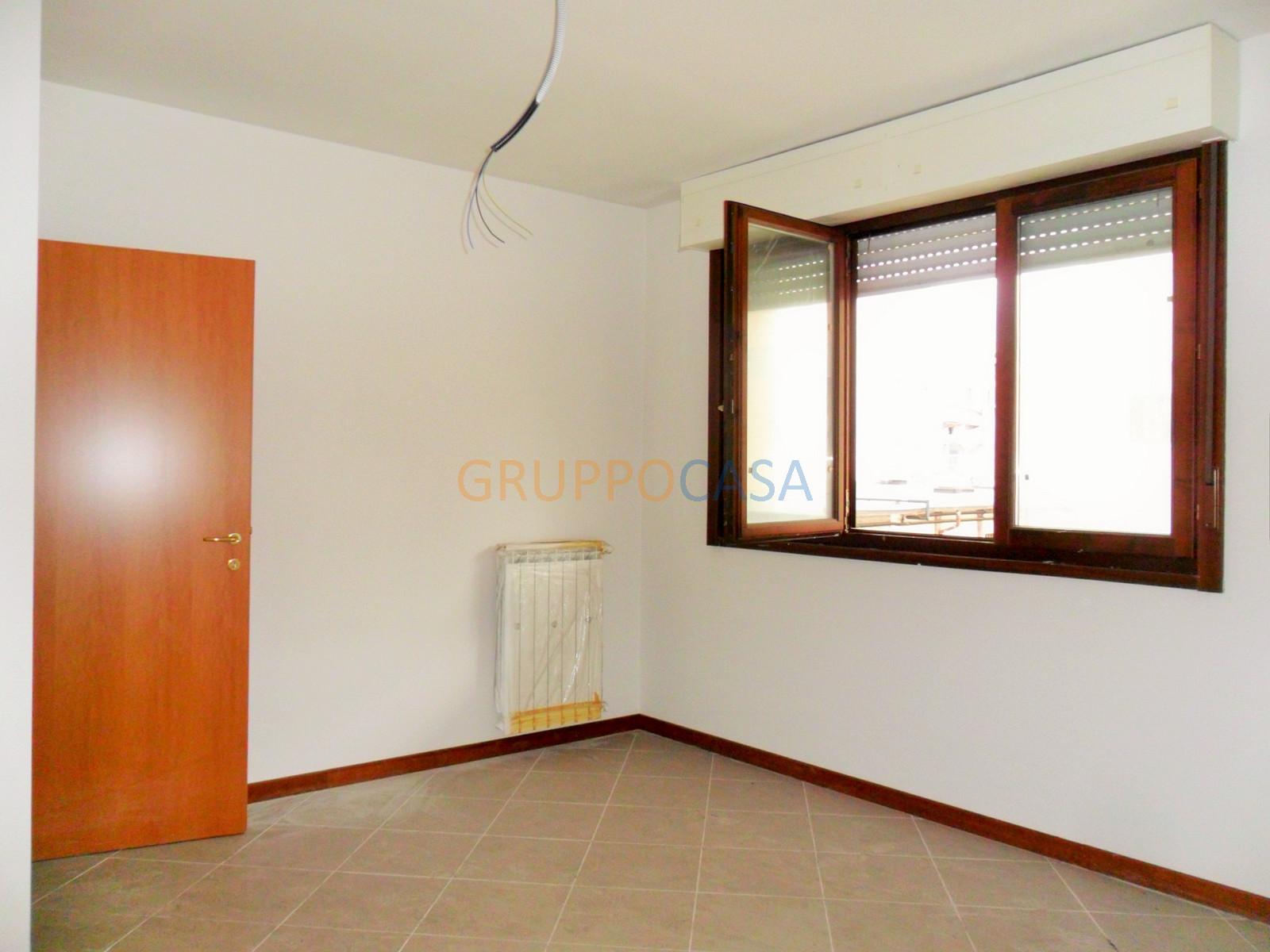 Ufficio / Studio in vendita a Pescia, 9999 locali, zona Località: Centro, prezzo € 66.000 | CambioCasa.it