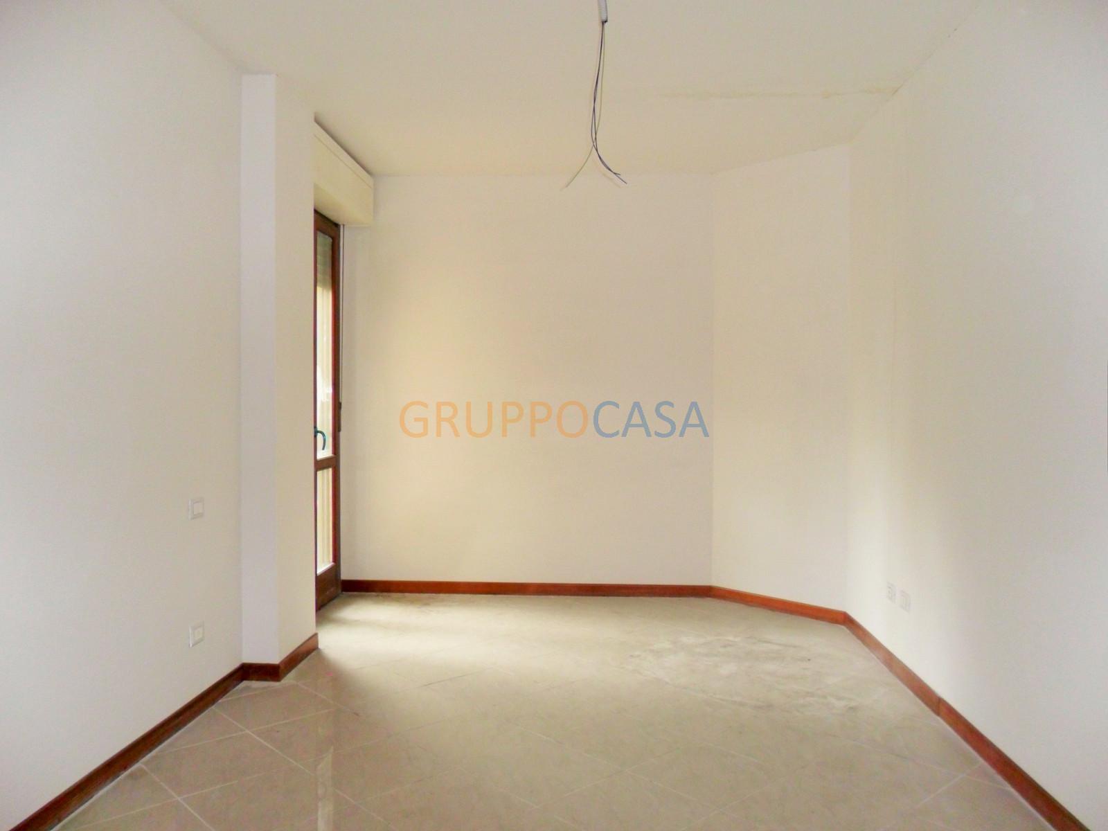 Ufficio / Studio in vendita a Pescia, 9999 locali, zona Località: Centro, prezzo € 160.000 | CambioCasa.it
