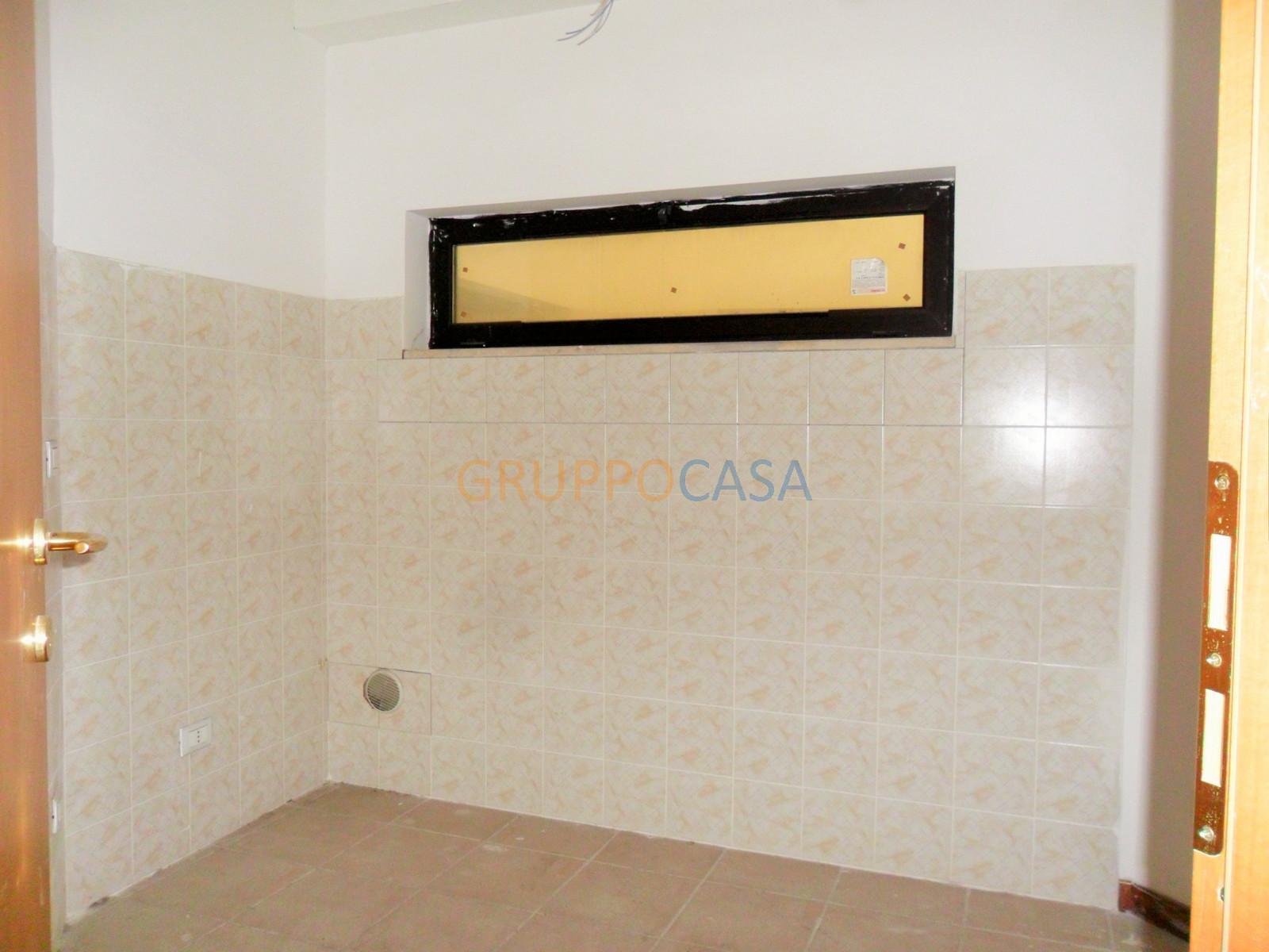 Ufficio / Studio in vendita a Pescia, 9999 locali, zona Località: Centro, prezzo € 129.000 | CambioCasa.it