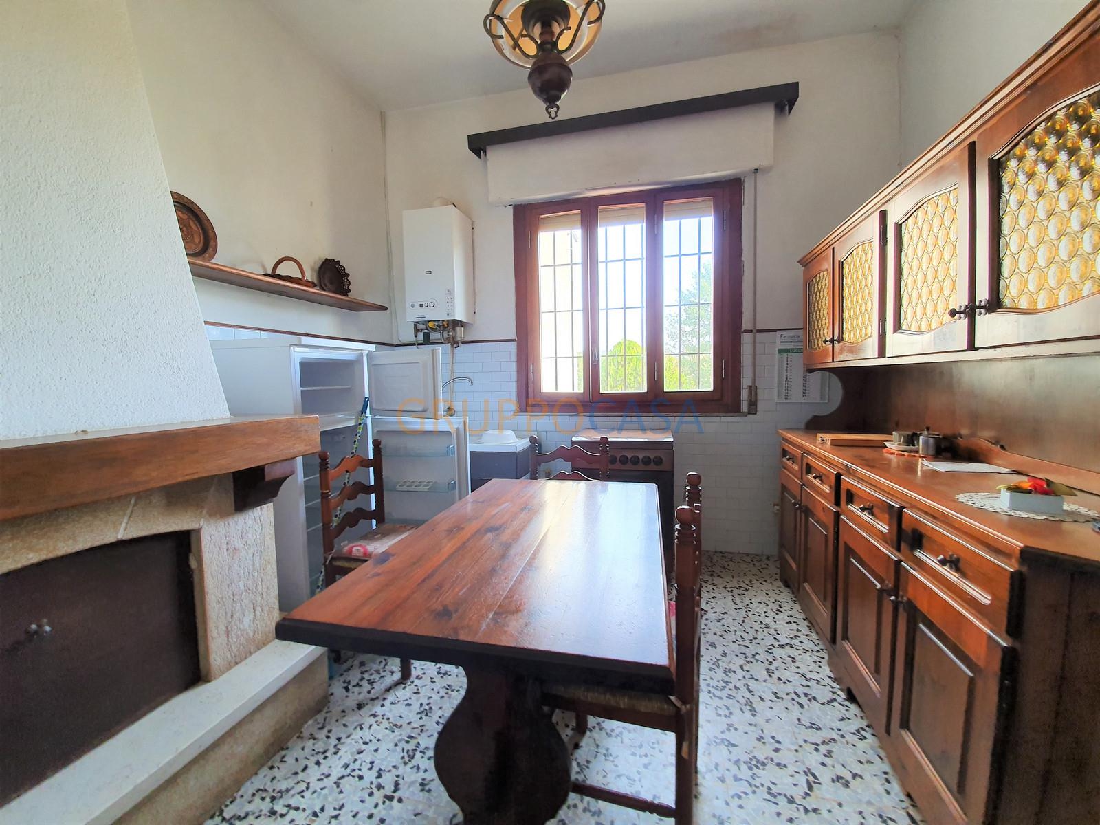 Appartamento in vendita a Fucecchio, 4 locali, zona Località: Galleno, prezzo € 60.000 | CambioCasa.it