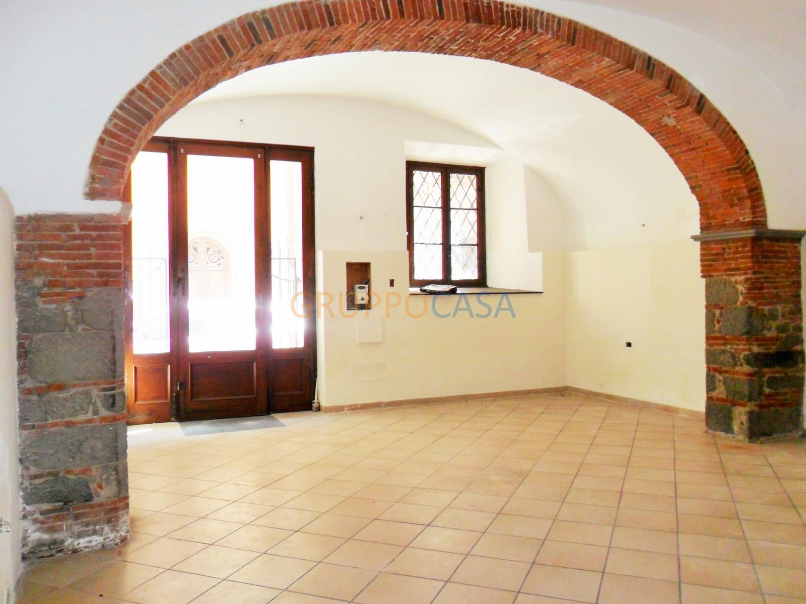 Negozio / Locale in vendita a Pescia, 9999 locali, zona Località: Centro, prezzo € 46.000 | CambioCasa.it