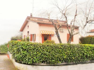 Casa indipendente in Vendita a Uzzano