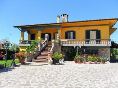 Villa singola in Vendita a Chiesina Uzzanese