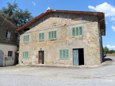 Casa indipendente in Vendita a Pescia