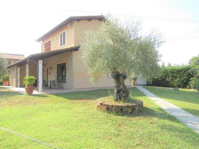 Villa singola in Vendita a Altopascio