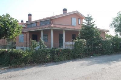 Villa in Vendita a Campomarino