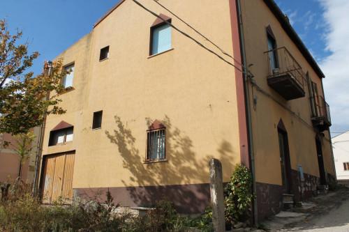 Casa singola in Vendita a Montecilfone