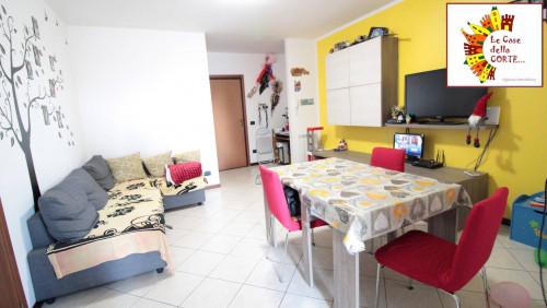 2 - TRILOCALE con GIARDINO ( 2 camere ) in Vendita a Cento