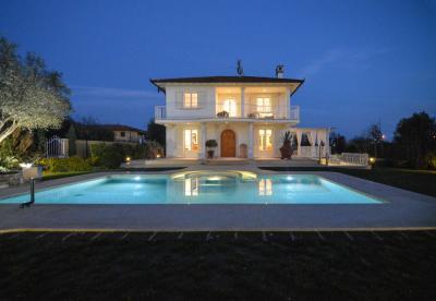 Luxurious Villas for Sale