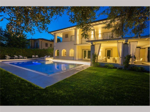 Luxurious Villas for Holiday rent
