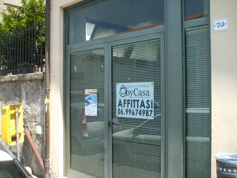 Magazzino in affitto a Manziana, 1 locali, prezzo € 500   CambioCasa.it