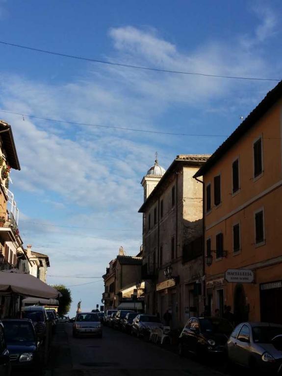 Appartamento in vendita a Manziana, 3 locali, prezzo € 95.000 | CambioCasa.it