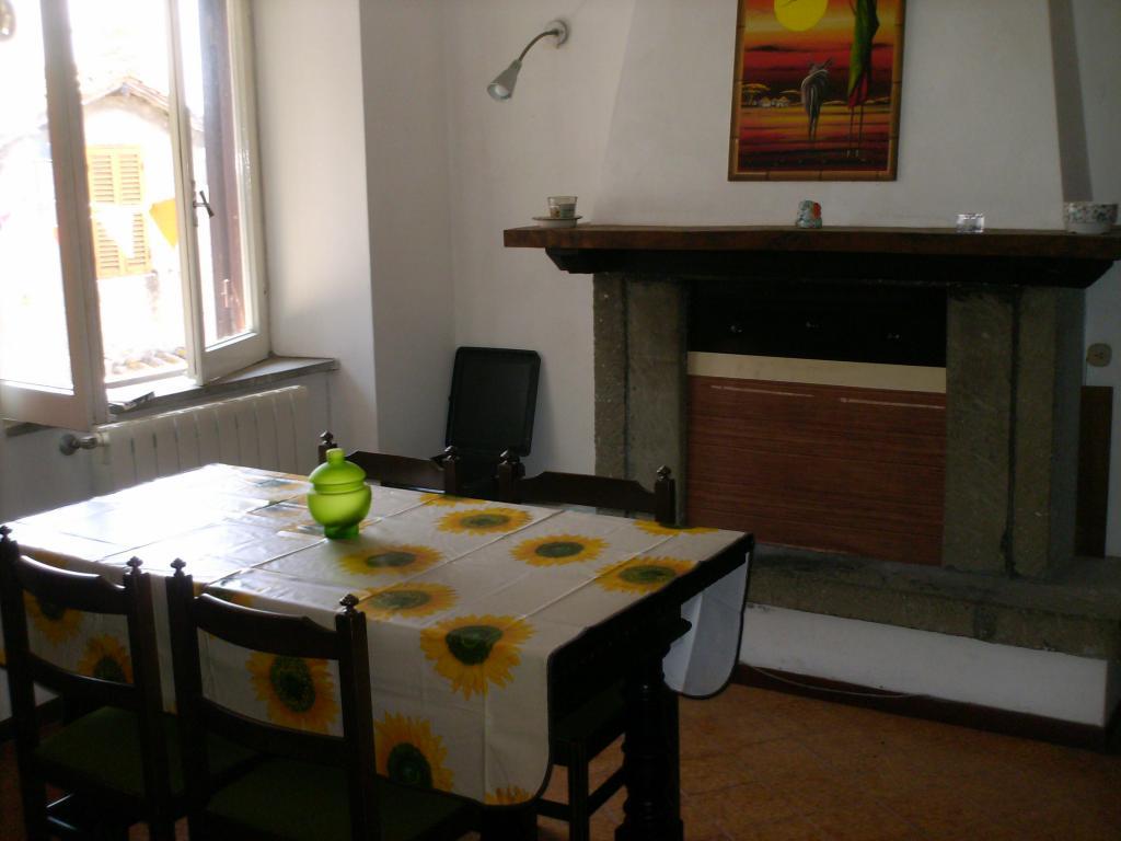 Bilocale Manziana Via Quadroni 4