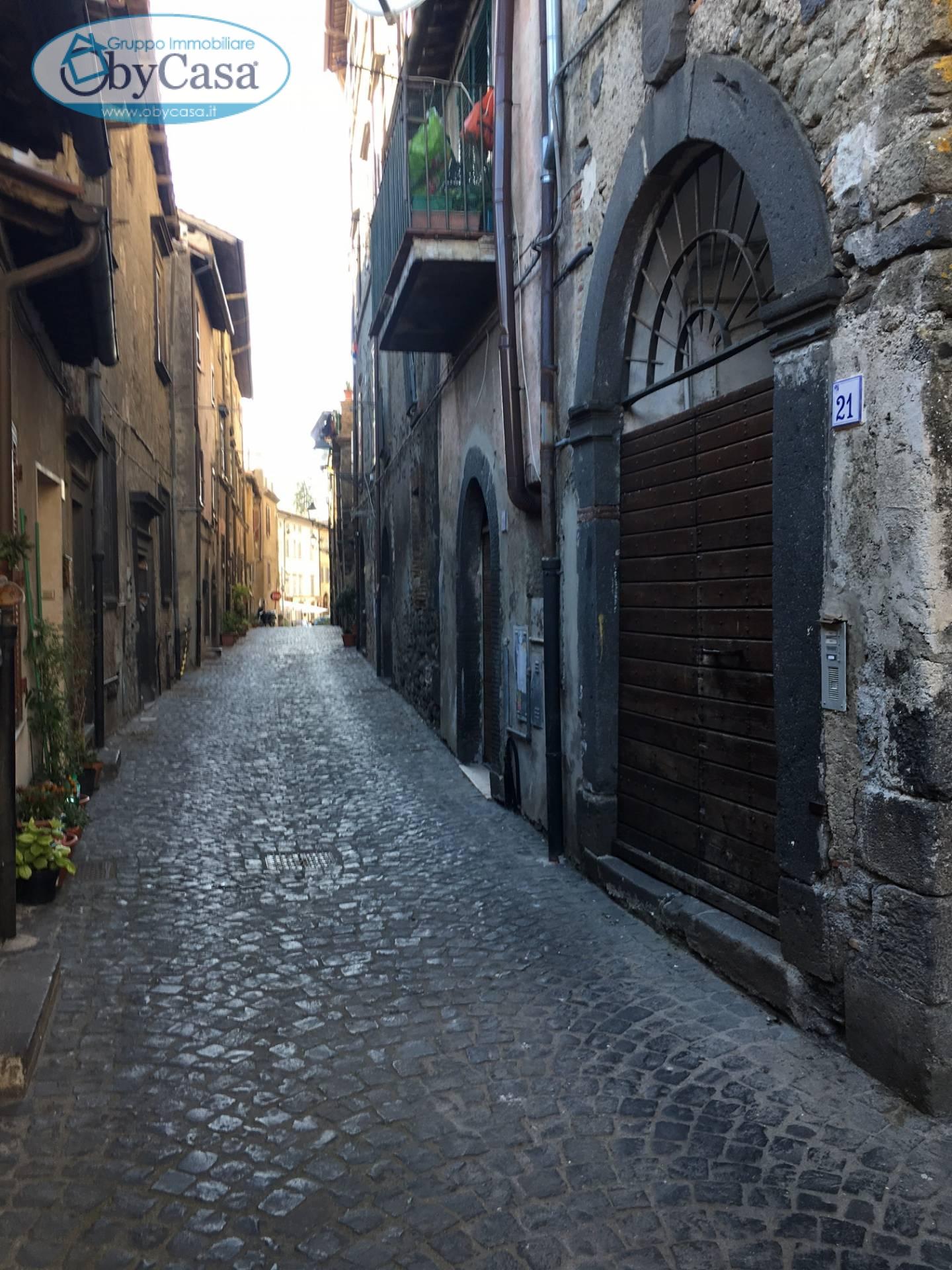 Appartamento in vendita a Bracciano, 3 locali, zona Località: centrostorico, prezzo € 165.000 | CambioCasa.it
